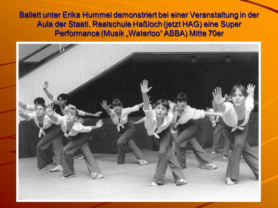 """Ballett unter Erika Hummel demonstriert bei einer Veranstaltung in der Aula der Staatl. Realschule Haßloch (jetzt HAG) eine Super Performance (Musik """""""