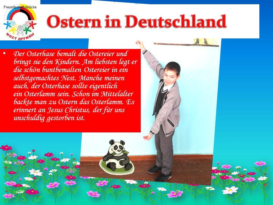 Der Osterhase bemalt die Ostereier und bringt sie den Kindern.