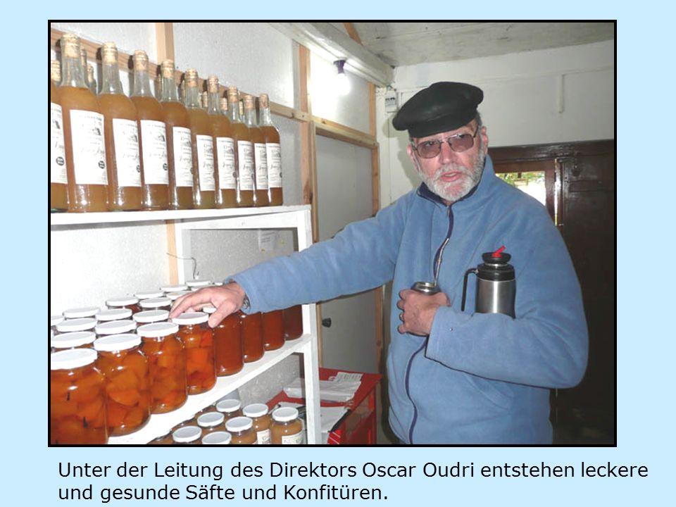 Unter der Leitung des Direktors Oscar Oudri entstehen leckere und gesunde Säfte und Konfitüren.