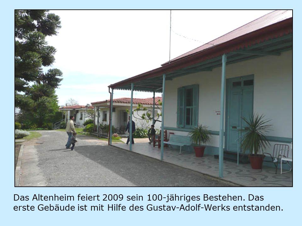 Gegründet wurde das Altenheim vom Frauenverein unter der Leitung von Elisabeth Kuster-Spori, allerdings nicht als Altenheim, sondern als Geburtsstation.