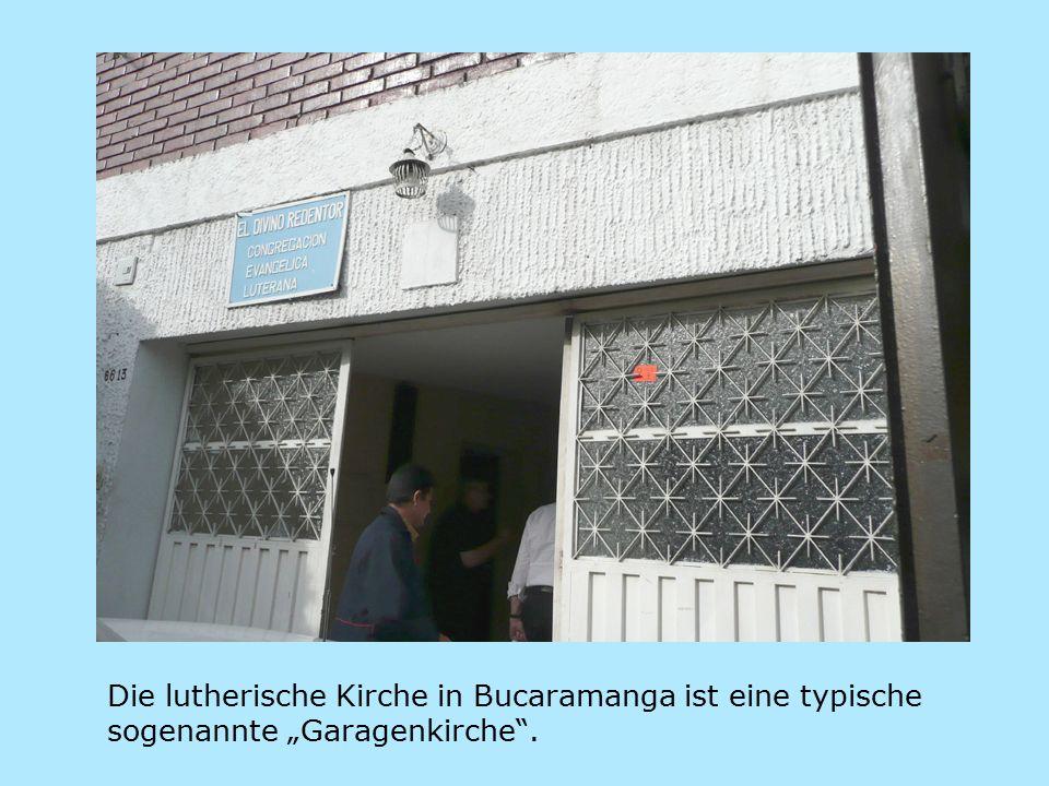 """Die lutherische Kirche in Bucaramanga ist eine typische sogenannte """"Garagenkirche ."""