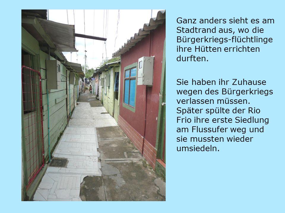 Ganz anders sieht es am Stadtrand aus, wo die Bürgerkriegs-flüchtlinge ihre Hütten errichten durften.