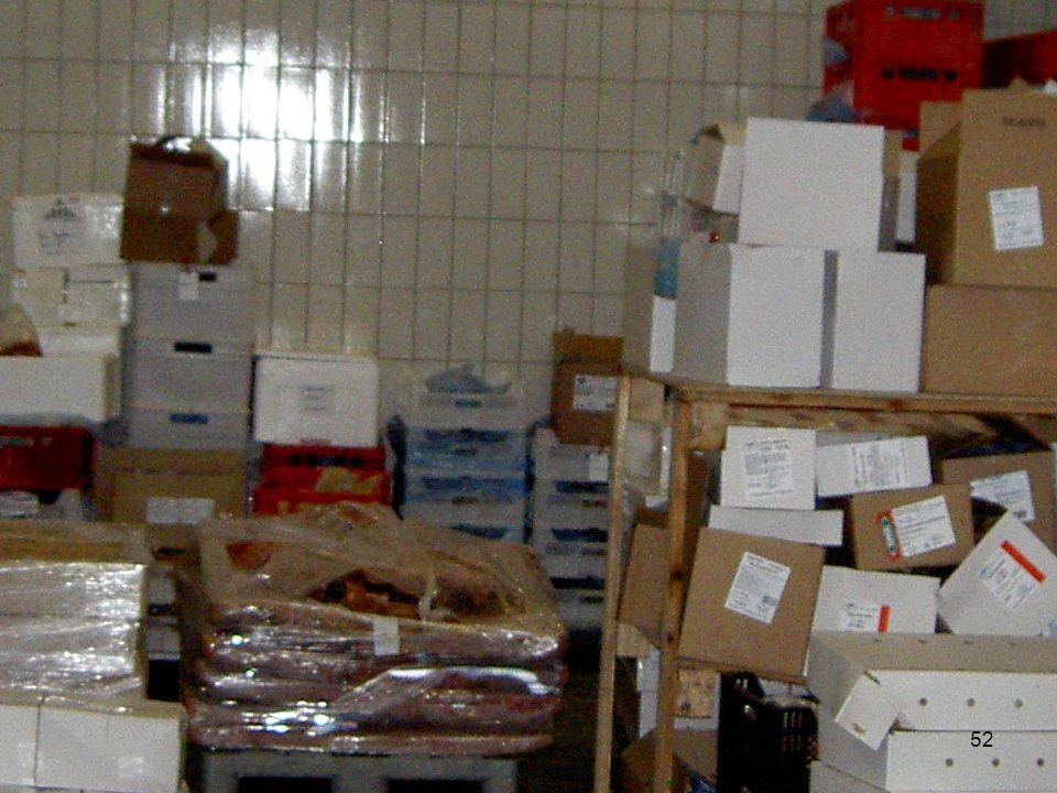 6. Lagerung und Beförderung 6.1 Vorrichtungen und Behälter zur Lagerung und Beförderung von Lebensmitteln müssen sauber und instand gehalten werden 52