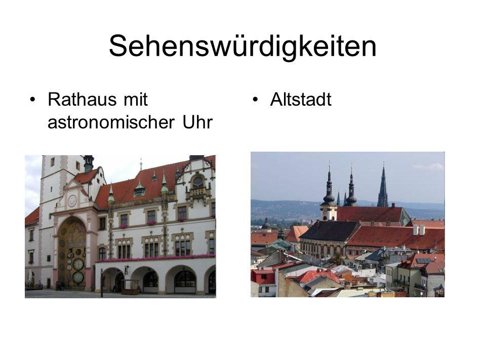 Sehenswürdigkeiten Rathaus mit astronomischer Uhr Altstadt