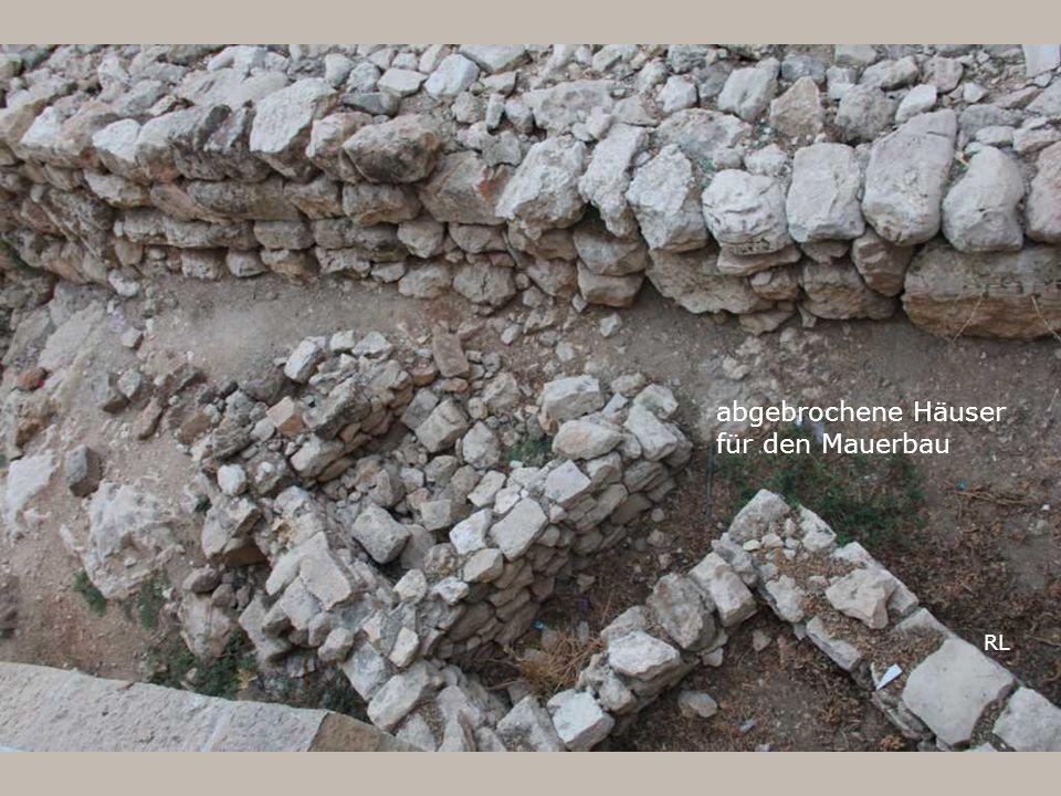 abgebrochene Häuser für den Mauerbau RL
