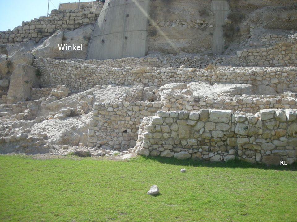 RL Neh 3,20: [BG7] Nächst ihm besserte Baruk, der Sohn Sabbais, eine andere Strecke eifrig aus, vom Winkel bis zum Eingang des Hauses Eljaschibs, des