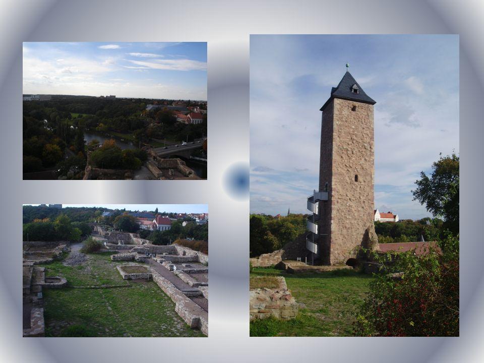 Zu seiner Zeit – Ruine seit Beginn des 11. Jh. bis zum Dreißigjährigen Kriegseigene - Burg.