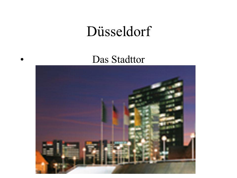 Düsseldorf Das Stadttor