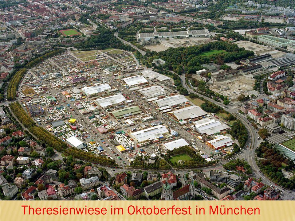 Theresienwiese im Oktoberfest in München