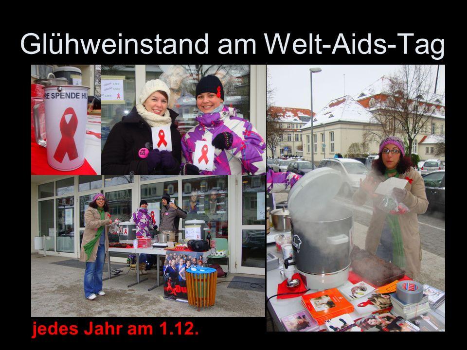 Glühweinstand am Welt-Aids-Tag 5 jedes Jahr am 1.12.