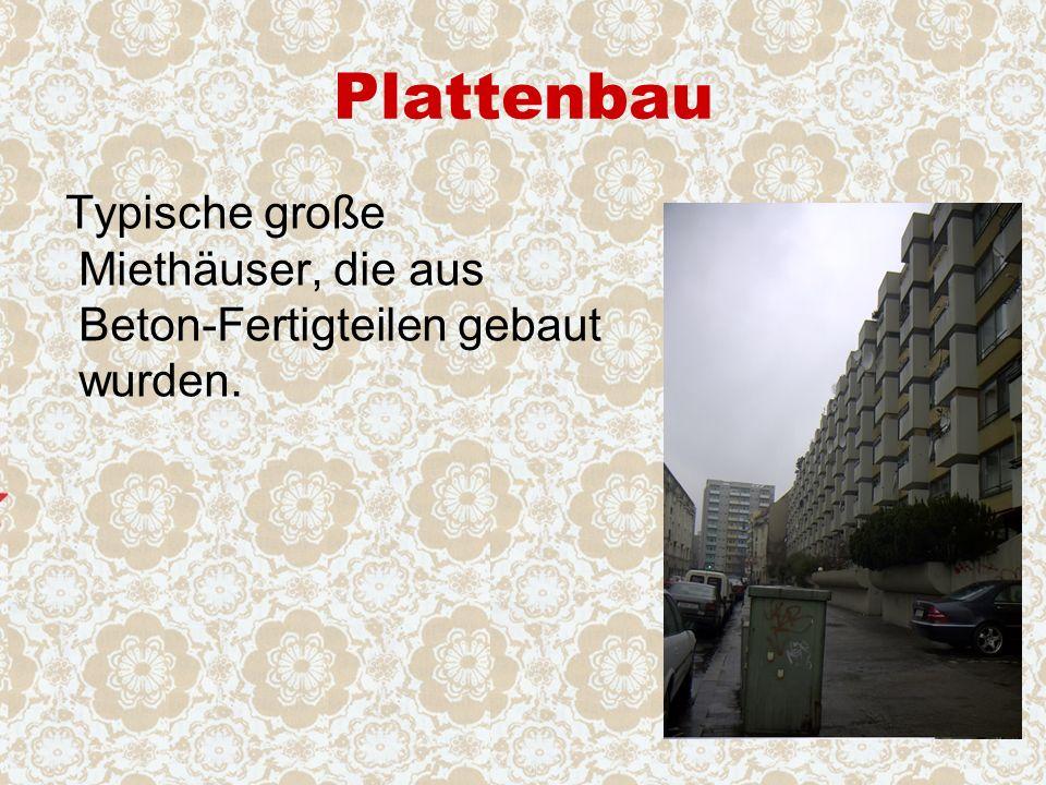 Plattenbau Typische große Miethäuser, die aus Beton-Fertigteilen gebaut wurden.