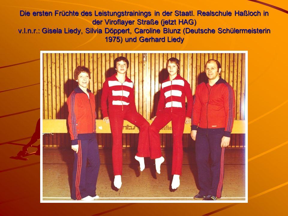 Die ersten Früchte des Leistungstrainings in der Staatl. Realschule Haßloch in der Viroflayer Straße (jetzt HAG) v.l.n.r.: Gisela Liedy, Silvia Döpper