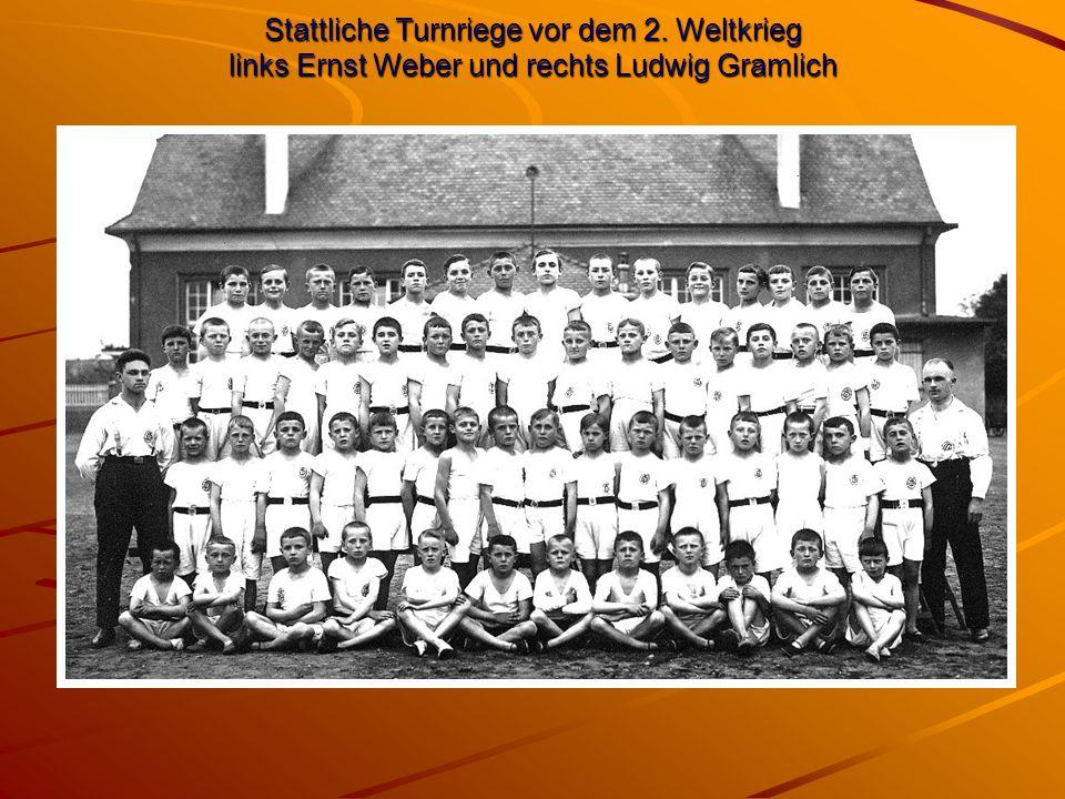 Stattliche Turnriege vor dem 2. Weltkrieg links Ernst Weber und rechts Ludwig Gramlich