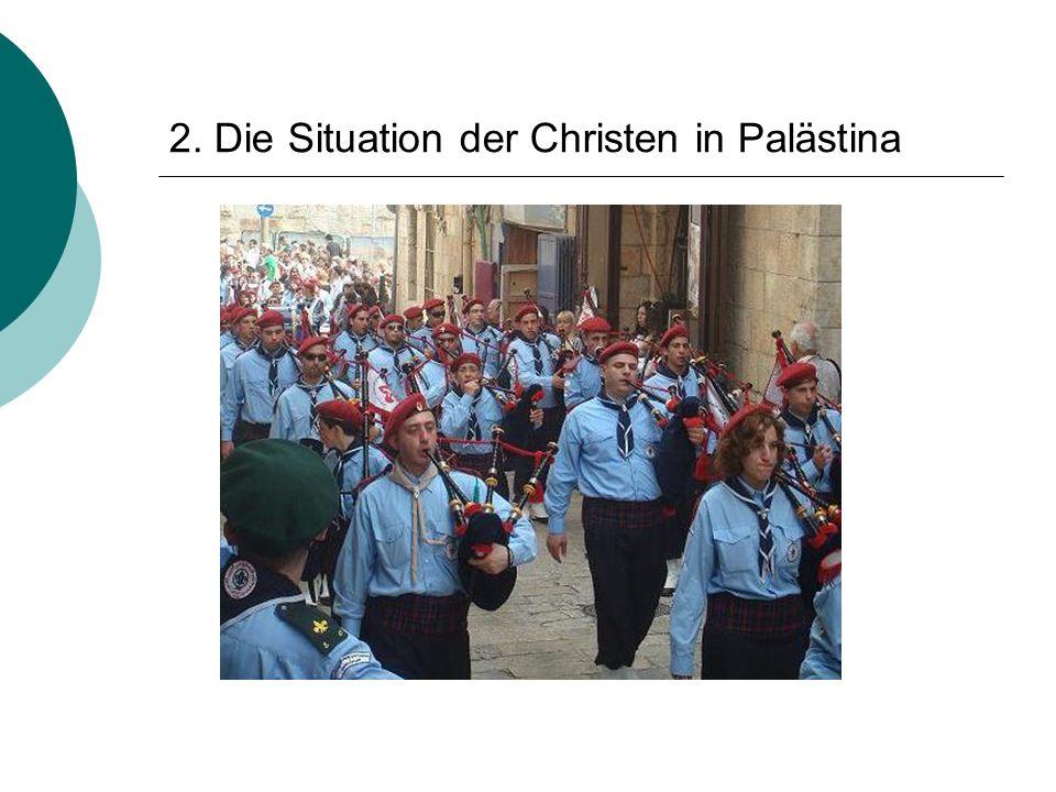 """ Sehen sich als die direkten Nachkommen der ersten Christen vor Ort  sind als Palästinenser Teil der """"arabischen Welt ; teilen Sprache und Heimat  die Religion verbindet sie jedoch mit dem Westen  Christen geraten zwischen die Fronten des Nahostkonflikts"""