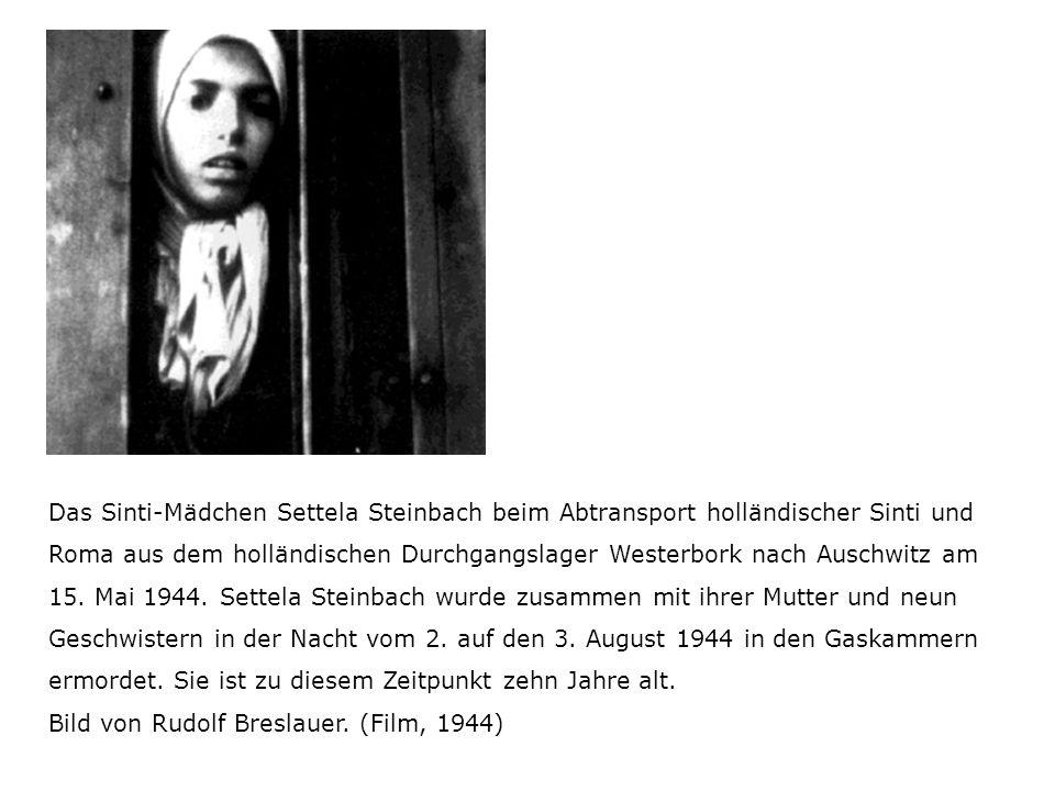Das Sinti-Mädchen Settela Steinbach beim Abtransport holländischer Sinti und Roma aus dem holländischen Durchgangslager Westerbork nach Auschwitz am 15.