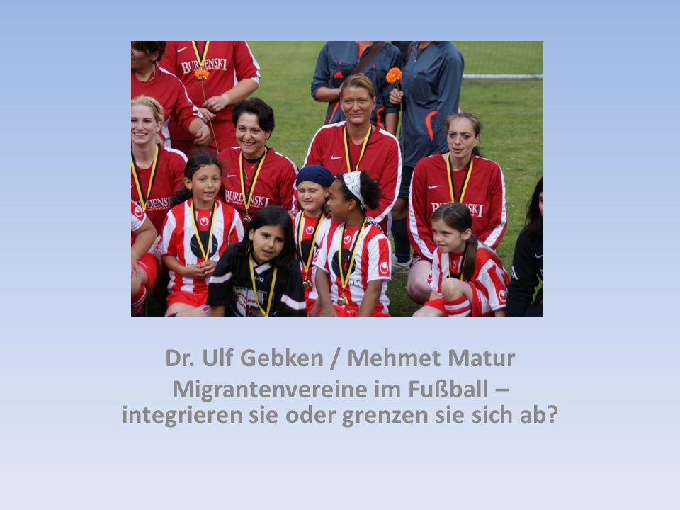 Sport kann f ü r Jungen mit Migrationshintergrund ein Aufstiegskanal sein Je höher die Liga, desto geringer ist das Ausmaß der Segregation (Abtrennung) (Kalter, 2003) Türkische Sportvereinsmitglieder zeigen wesentlich höheres Bildungsniveau als Nichtmitglieder