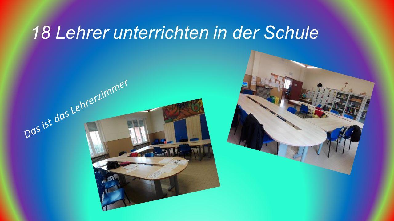 18 Lehrer unterrichten in der Schule Das ist das Lehrerzimmer