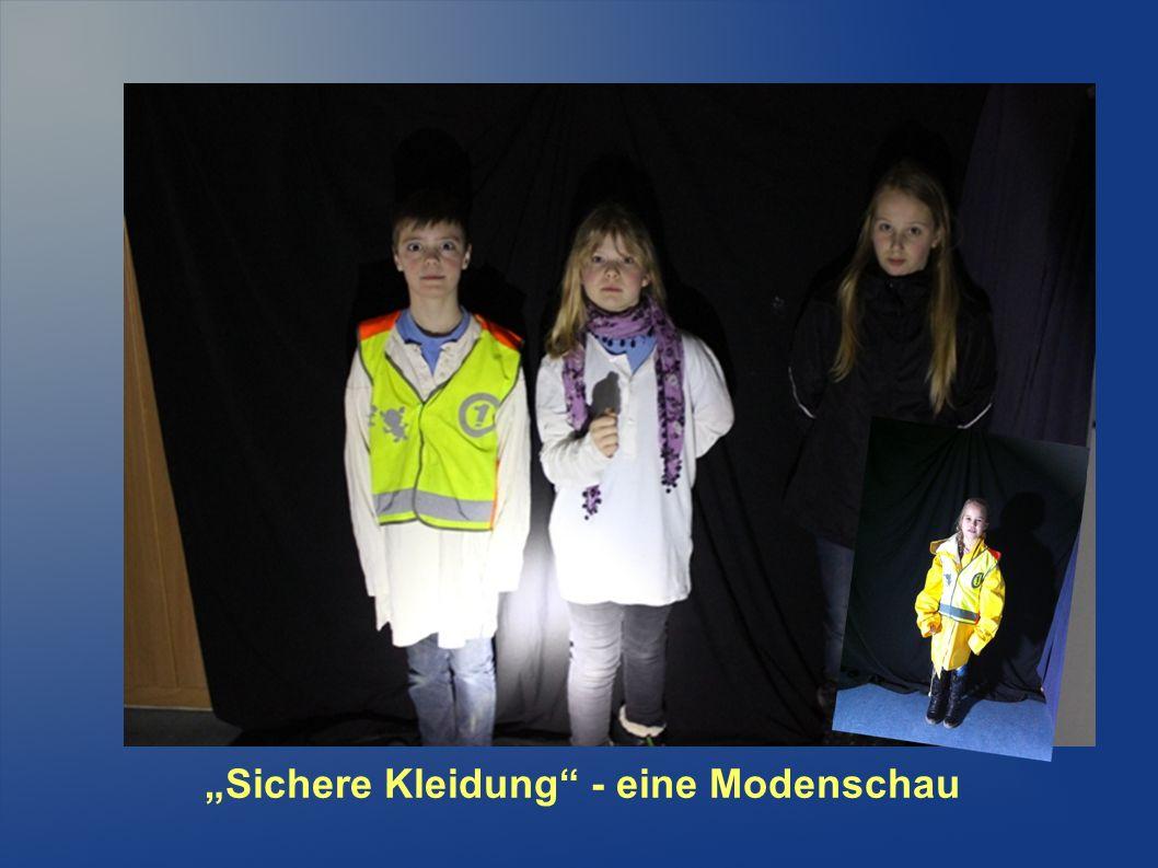 """""""Sichere Kleidung - eine Modenschau"""