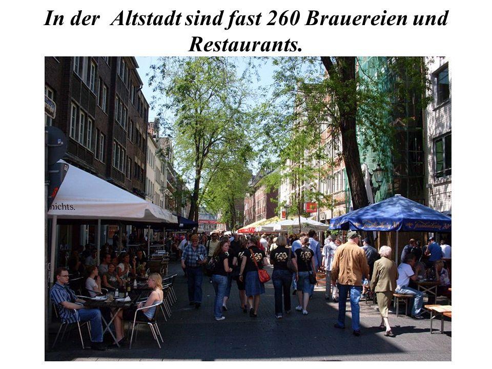 In der Altstadt sind fast 260 Brauereien und Restaurants.