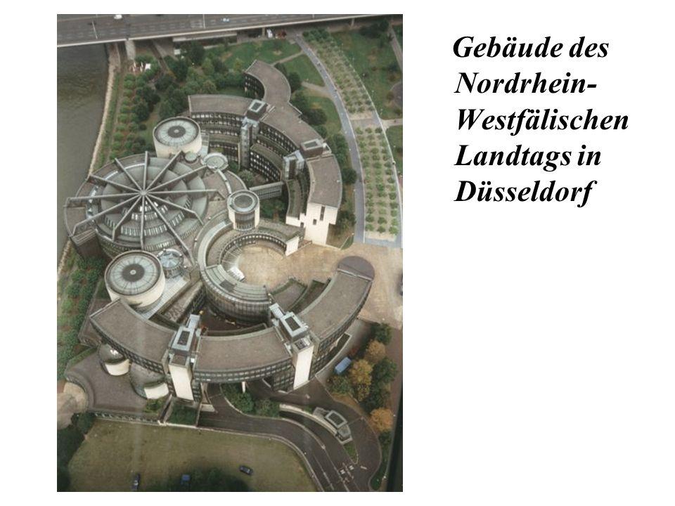 Gebäude des Nordrhein- Westfälischen Landtags in Düsseldorf