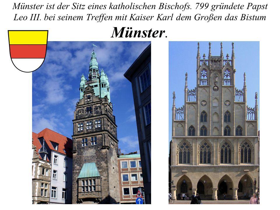 Münster ist der Sitz eines katholischen Bischofs. 799 gründete Papst Leo III. bei seinem Treffen mit Kaiser Karl dem Großen das Bistum Münster.