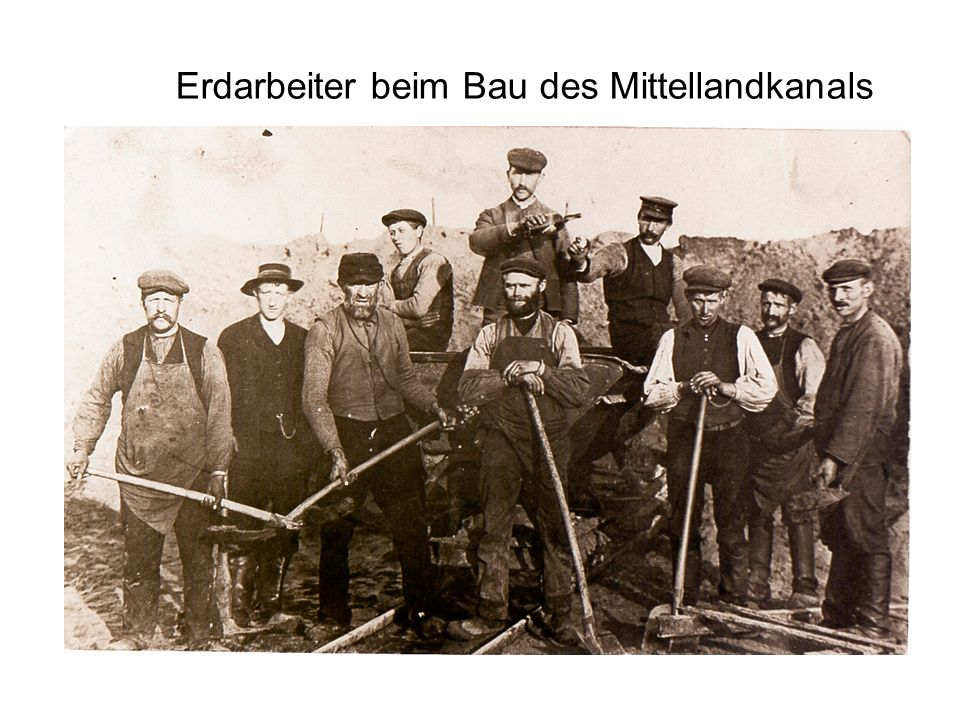 Erdarbeiter beim Bau des Mittellandkanals