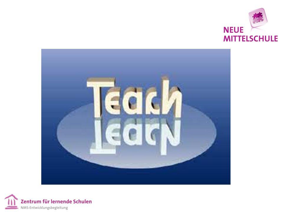 """Zu Professionellen Lerngemeinschaften """"Eine Lerngemeinschaft ist eine Gemeinschaft, wofür die wichtigste Bedingung der Mitgliedschaft ist, dass die Person eine lernende ist – ob man Schüler/Schülerin, Lehrer/Lehrerin, Schulleiter/-leiterin, Erziehungsberechtigte oder Mitarbeiter/Mitarbeiterin genannt wird."""