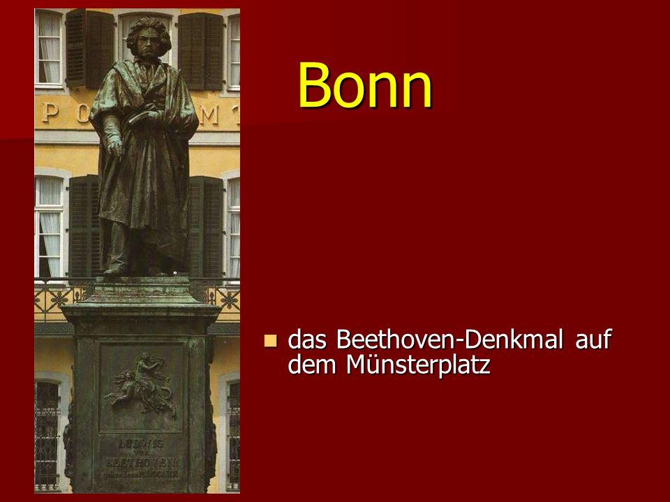 Bonn das Beethoven-Denkmal auf dem Münsterplatz das Beethoven-Denkmal auf dem Münsterplatz