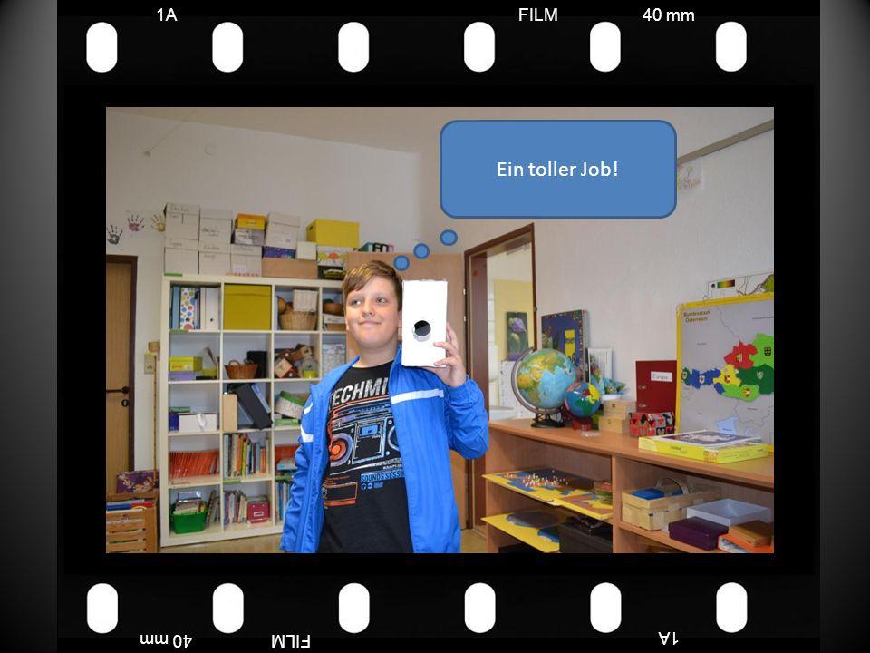 FILM40 mm1A FILM40 mm Es gibt drei Mädels, die sind sozusagen die besten bei uns, wenn die Lehrerinnen nicht da sind und nicht mitmachen, helfen sie uns.