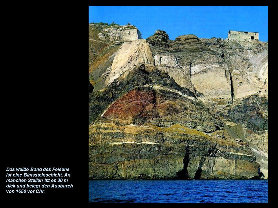 Bimsstein Bimssteine schwimmen auf dem Wasser, da sie viel Luft enthalten. Bimsstein war in alten Zeiten als Baumaterial gefragt.