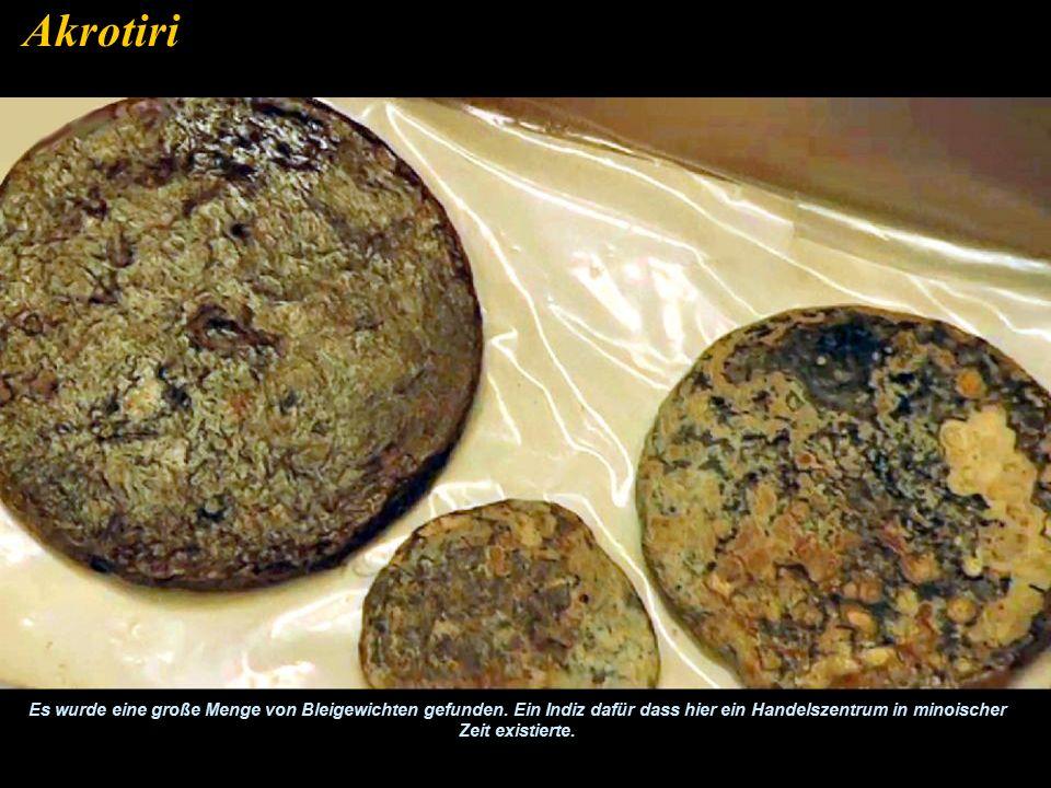 Rund 400 große Töpfe wurden gefunden. Akrotiri