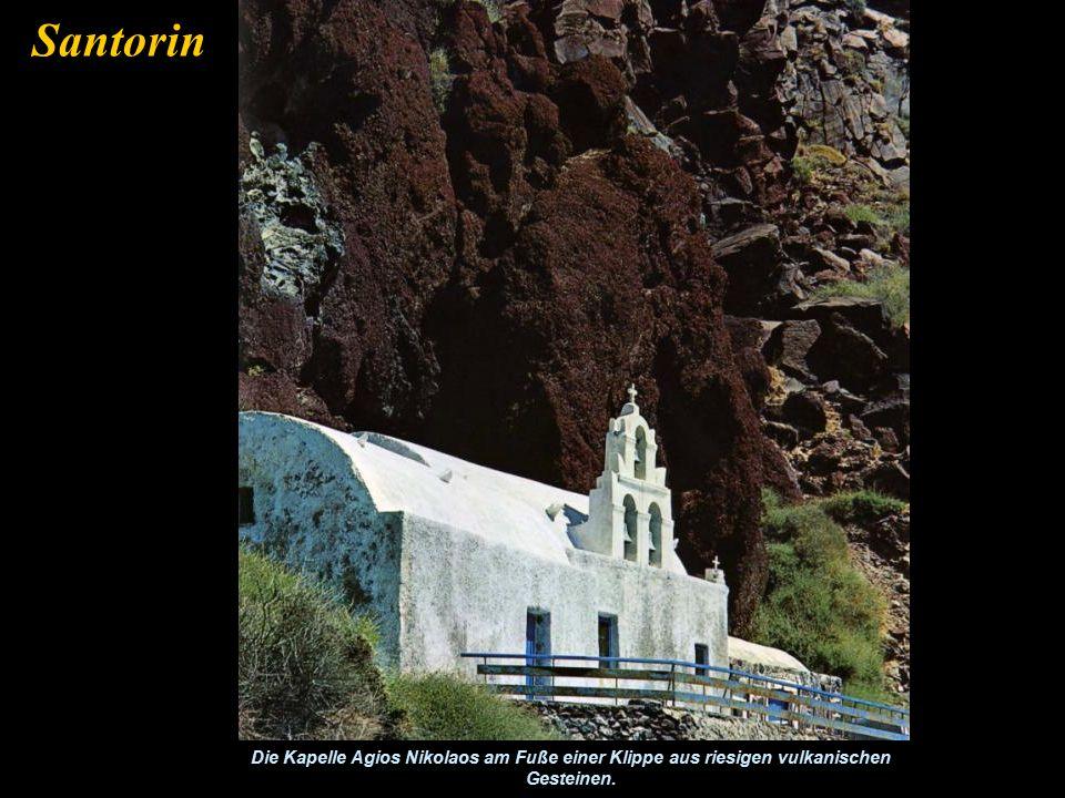Die Stadt Thera am Rand des Vulkans Santorin
