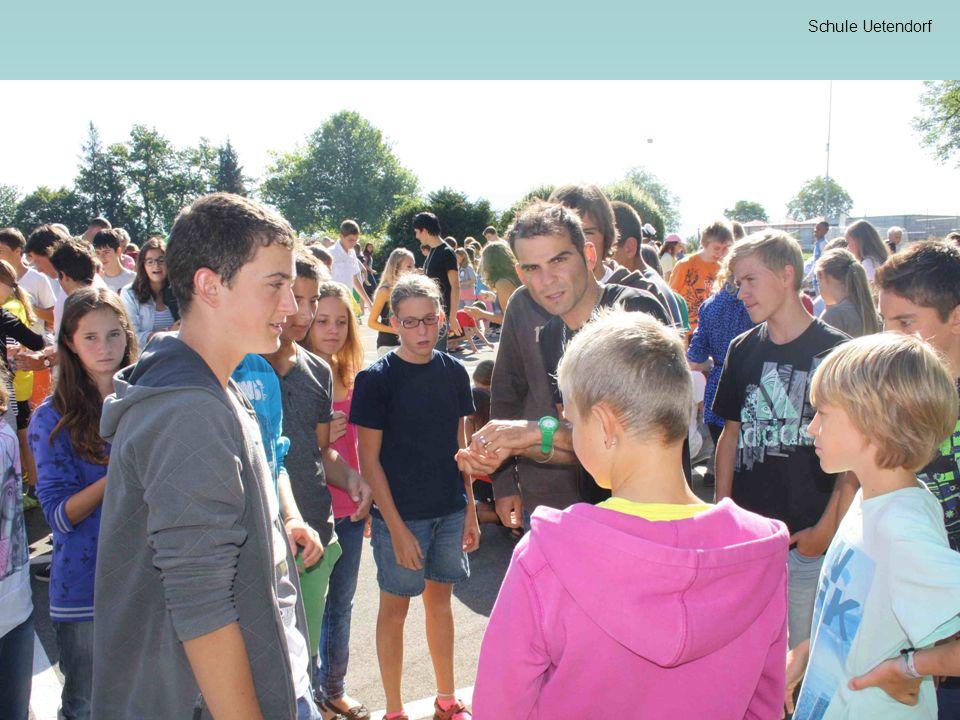 Schule Uetendorf Anlaufstellen in der Schule Schulsozialarbeit 033 346 01 33 Frau Chr.