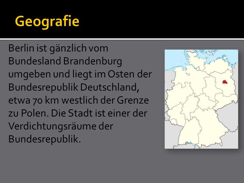 Berlin ist gänzlich vom Bundesland Brandenburg umgeben und liegt im Osten der Bundesrepublik Deutschland, etwa 70 km westlich der Grenze zu Polen.