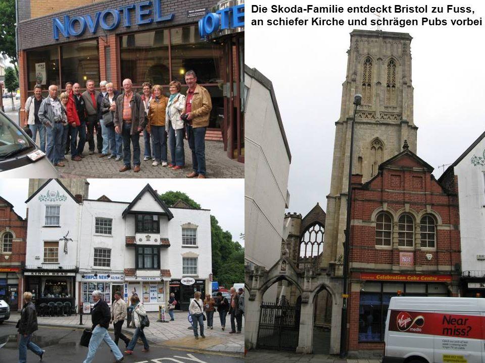 Die Skoda-Familie entdeckt Bristol zu Fuss, an schiefer Kirche und schrägen Pubs vorbei