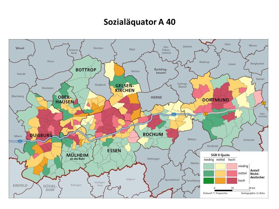 """Unterstadt und neue Unterschicht sozial, ethnisch und demografisch zunehmend segregierter Ballungsraum, im Vergleich zu anderen Städten leben mehr Menschen in der """"Unterstadt wachsende sozialräumliche Polarisierung von Lebenslagen und Lebenschancen: Zerfall zivilgesellschaftlicher Strukturen in abgehängten Problemstadtteilen (vor allem nördlich der A 40) kein Migrationsproblem, sondern ein Problem einer """"neuen Unterschicht der Dienstleistungsgesellschaft mit Bildungsarmut und prekären Beschäftigung Gefährdung des Humanvermögens durch Perspektivlosigkeit, Armut und soziale Exklusion: """"Was aus einem Kind im Ruhrgebiet wird, hängt in erster Linie von seiner Adresse ab """"Es gibt Quartiere, in denen Kinder keinen Erwachsenen mehr kennen, der regelmäßig zur Arbeit geht """"Wer nicht mehr will, hat kein Motiv zu lernen"""