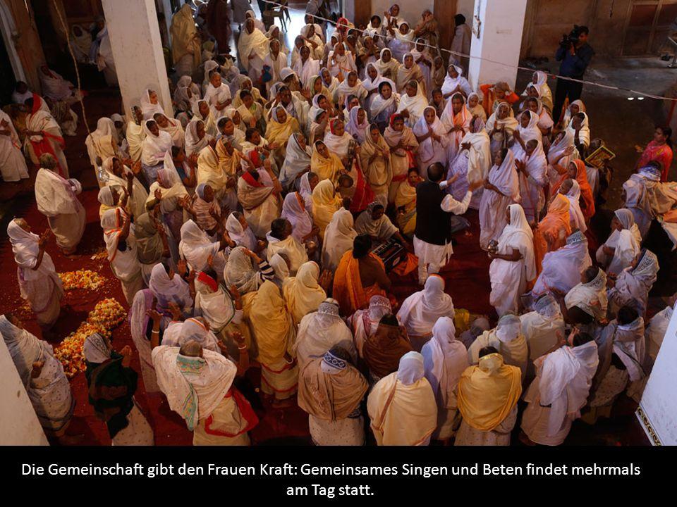 Die Gemeinschaft gibt den Frauen Kraft: Gemeinsames Singen und Beten findet mehrmals am Tag statt.