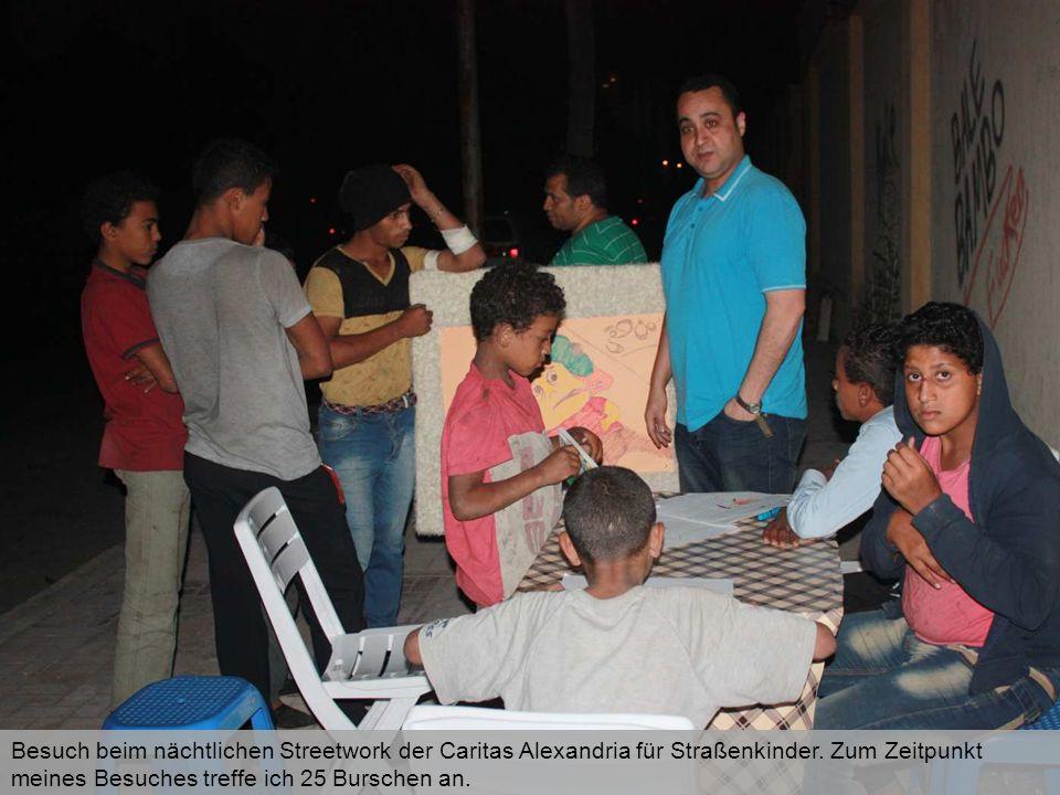 Besuch beim nächtlichen Streetwork der Caritas Alexandria für Straßenkinder. Zum Zeitpunkt meines Besuches treffe ich 25 Burschen an.