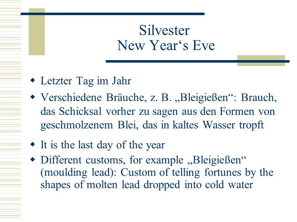 """Silvester New Year's Eve  Letzter Tag im Jahr  Verschiedene Bräuche, z. B. """"Bleigießen"""": Brauch, das Schicksal vorher zu sagen aus den Formen von ge"""