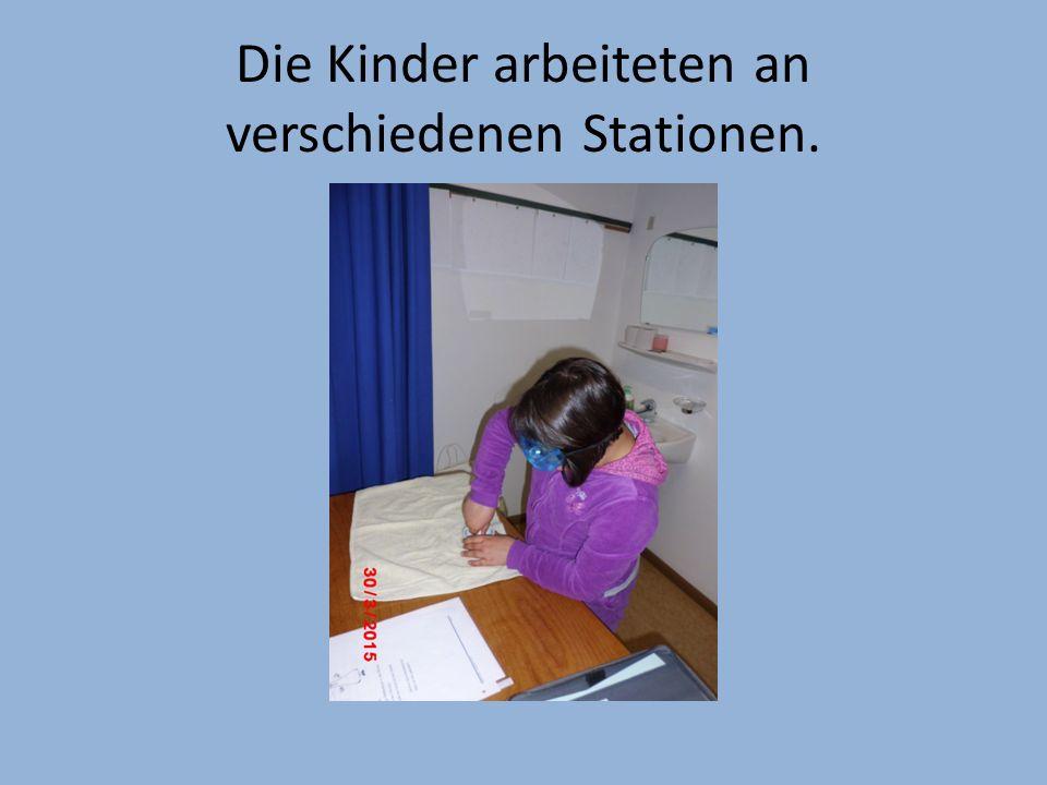 Die Kinder arbeiteten an verschiedenen Stationen.