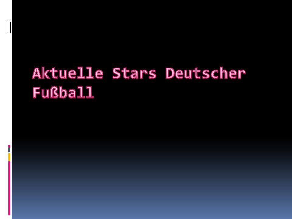 Lukas Podolski  Der geboren isn Gliwice.Deutsch Fußballspieler.Der spielen als Stürmer und Mittelfeldspieler.