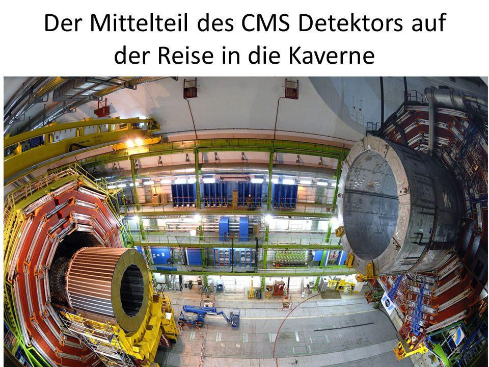 Der Mittelteil des CMS Detektors auf der Reise in die Kaverne 29