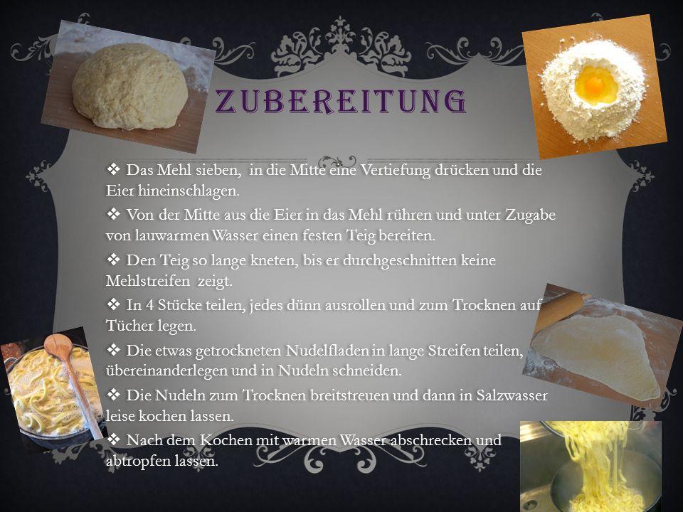 ZUBEREITUNG  Das Mehl sieben, in die Mitte eine Vertiefung drücken und die Eier hineinschlagen.