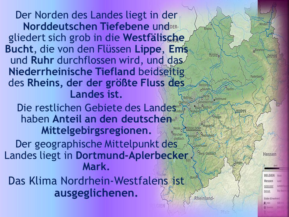 Der Norden des Landes liegt in der Norddeutschen Tiefebene und gliedert sich grob in die Westfälische Bucht, die von den Flüssen Lippe, Ems und Ruhr durchflossen wird, und das Niederrheinische Tiefland beidseitig des Rheins, der der größte Fluss des Landes ist.