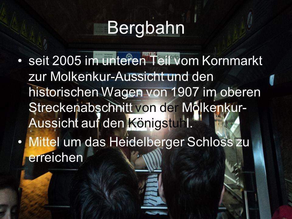 Bergbahn seit 2005 im unteren Teil vom Kornmarkt zur Molkenkur-Aussicht und den historischen Wagen von 1907 im oberen Streckenabschnitt von der Molkenkur- Aussicht auf den Königstuhl.