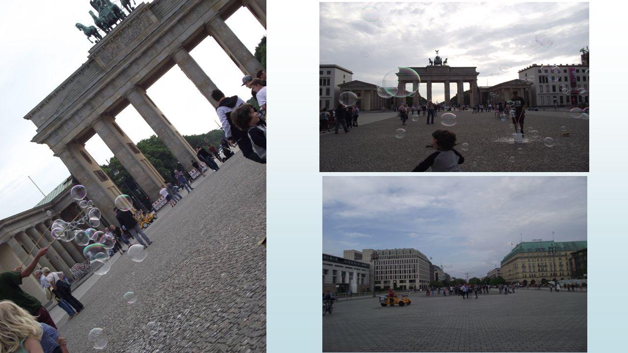 Wir treffen mit Politikern :p.Kleindiek und p. Gatzer in Berlin, Jagerstrasse.