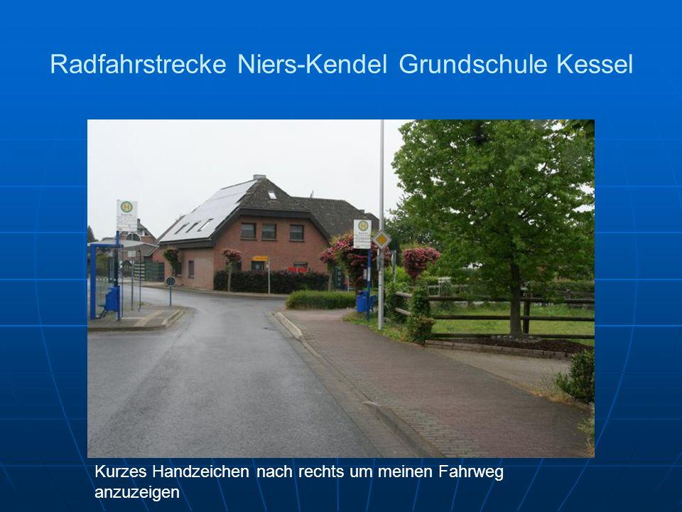 Radfahrstrecke Niers-Kendel Grundschule Kessel Kurzes Handzeichen nach rechts um meinen Fahrweg anzuzeigen