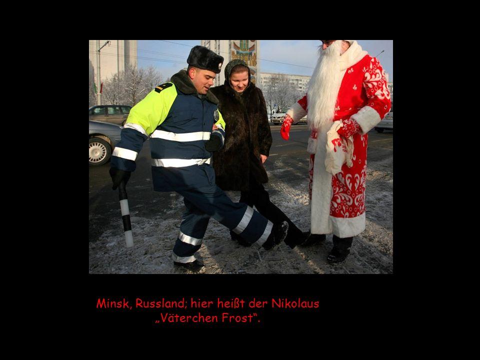 "Minsk, Russland; hier heißt der Nikolaus ""Väterchen Frost ."