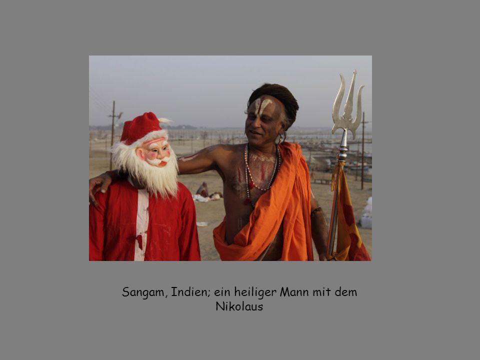 Sangam, Indien; ein heiliger Mann mit dem Nikolaus