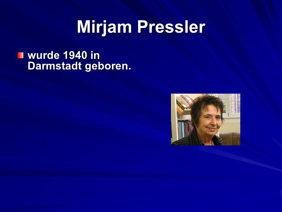 Sie studierte an der Akademie für Bildende Künste in Frankfurt und Sprachen in München.
